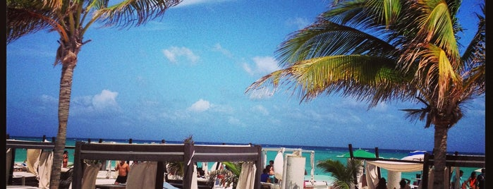 Mamita's Beach Club is one of Cancun.