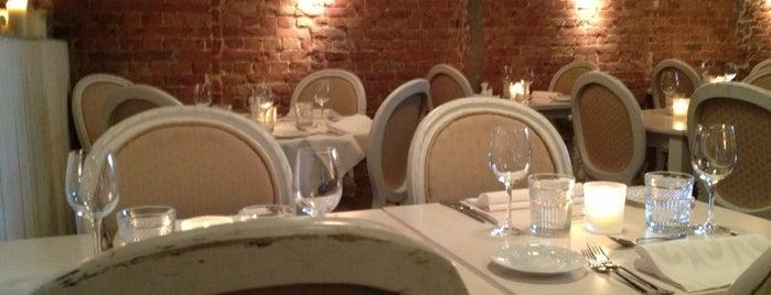 Josephine's Bar & Restaurant is one of Nice plekken.