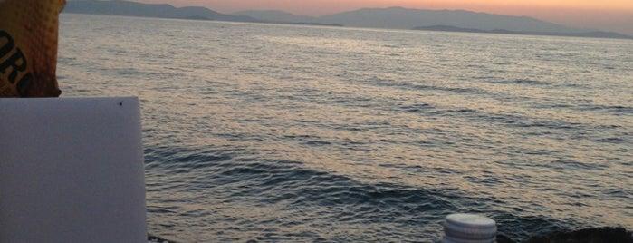 Kalamare is one of İzmir.