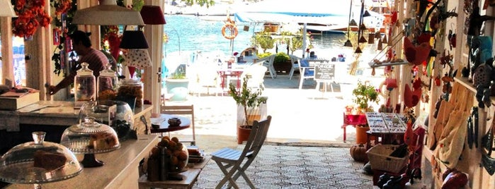 Ceri Cafe is one of Marmaris.