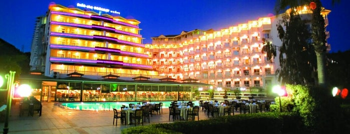 Beach Club Doganay Hotel is one of Alanya Otelleri.