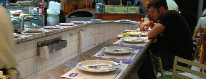Restaurante e Confeitaria Lopes is one of Rio.