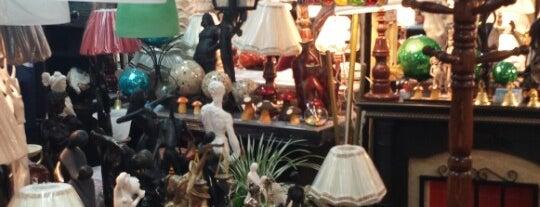 Mercado de Muebles Lagunilla is one of Mercados.
