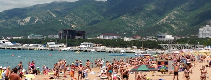 Центральный пляж is one of Геленджик.