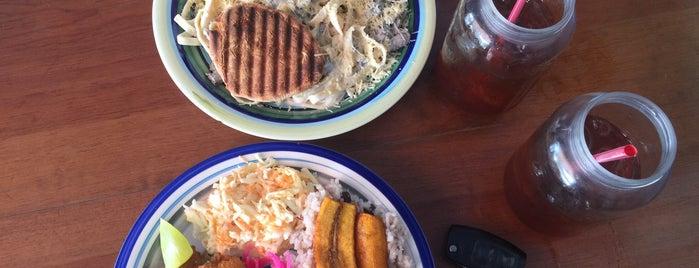 CASITAZUL is one of Restaurantes en los que he comido!!!.