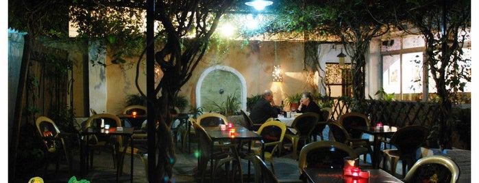 Restaurante La Higuera is one of Bares.