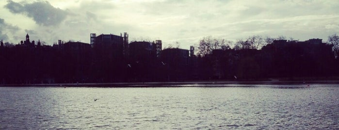 Hyde Park is one of London // Outdoors.