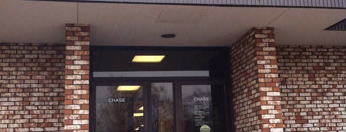 Chase Bank is one of Karenさんのお気に入りスポット.