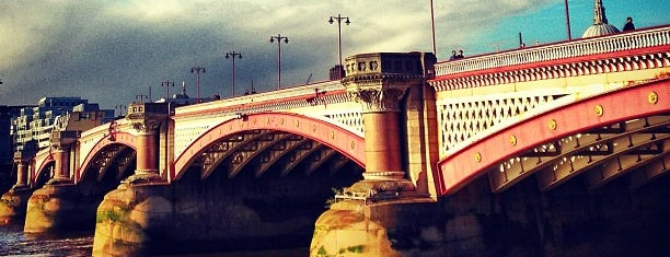 Blackfriars Bridge is one of Hand Drawn Map of London.