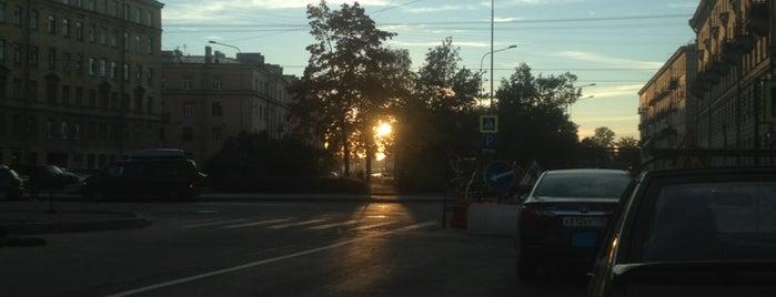 "Аптека № 155 is one of Район общежития на ""Шевченко""."