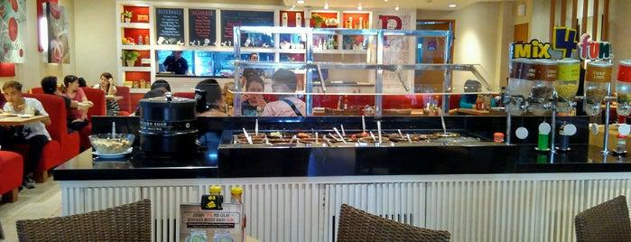 Pizza Hut is one of makan makaaaann.