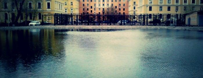 Круглый пруд is one of house.