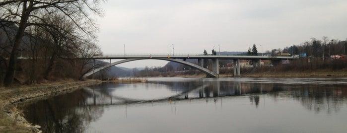 Most Závodu míru is one of Pražské mosty.