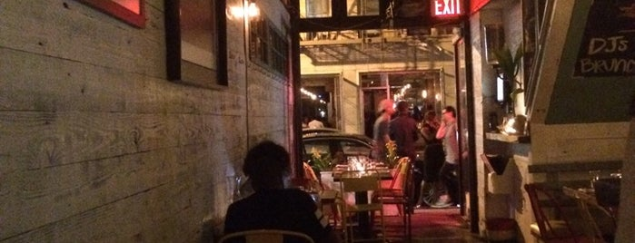 Spur Tree Lounge is one of NYC Favorite Regular Bars.