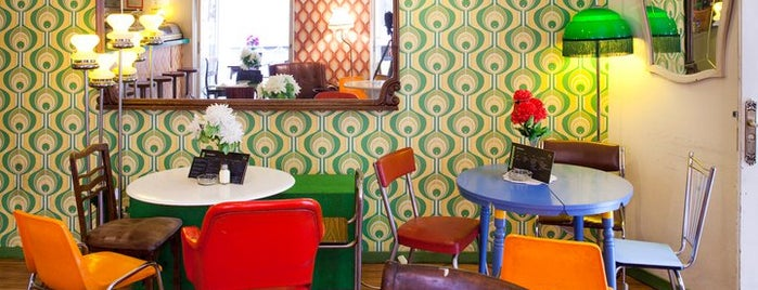 Lolina Vintage Café is one of Madrid.