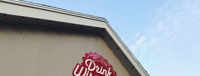 Drink Wisconsibly is one of The 15 Best Places for Pearls in Milwaukee.
