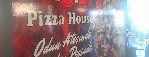 Pizza House is one of İlker ın mekanları.