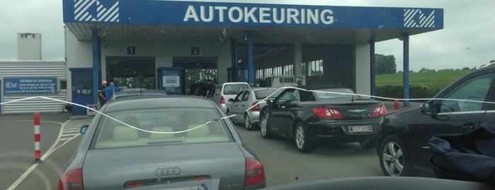KM Autokeuring is one of stéphanie's place's.