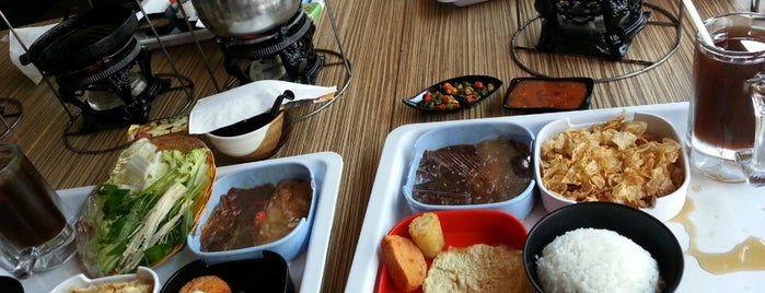 Rāā Čhā Suki & Barbeque is one of Food Spots @Bandung.