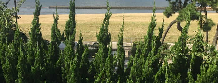Marina-Town Beach Park (Umippi Beach) is one of FUKUOKA.