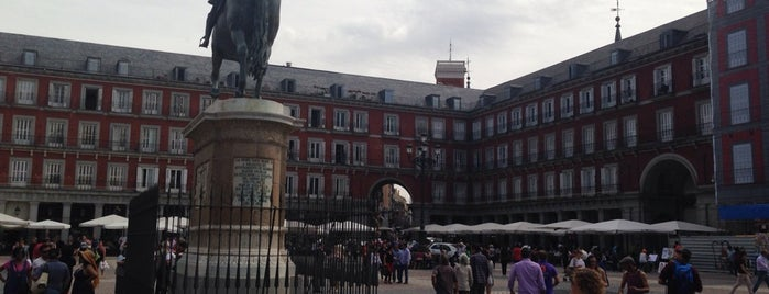 Plaza Mayor is one of Madri, Espanha.