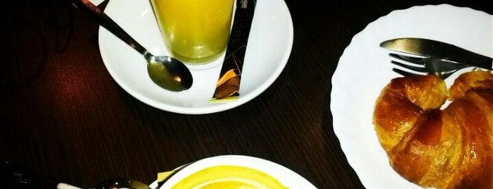 Cafeteria Seda is one of Bares, almuerzos, comida variadita normal....