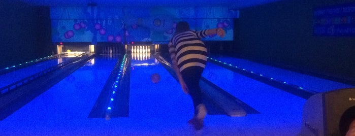 Bowling Restaurant Mercury is one of Like!.