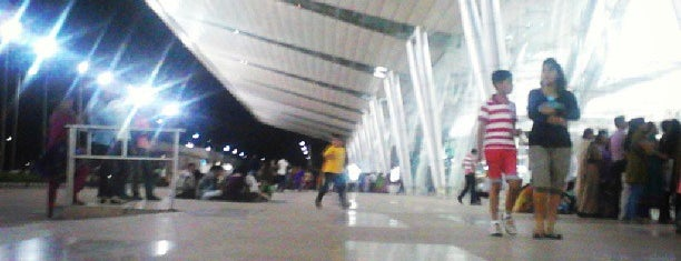 Sardar Vallabhbhai Patel International Airport is one of Airports & Hotels.
