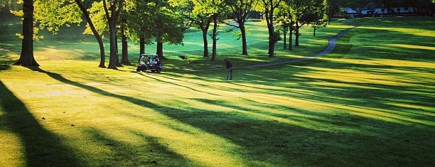 Silver Lake Golf Course is one of Golf Course & Driving range arround NYC.