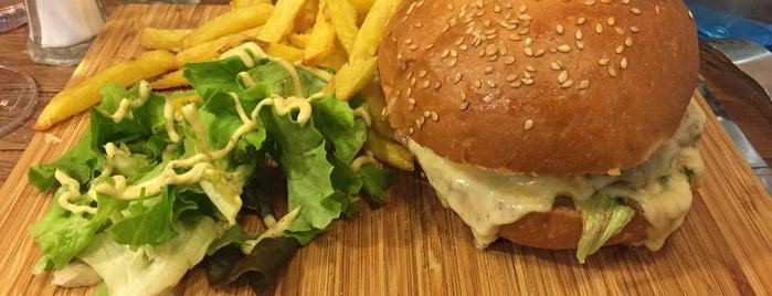 L'Échoppe is one of Burgerssssss.