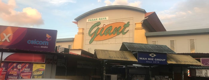 Giant Supermarket is one of @Sabah, Malaysia.