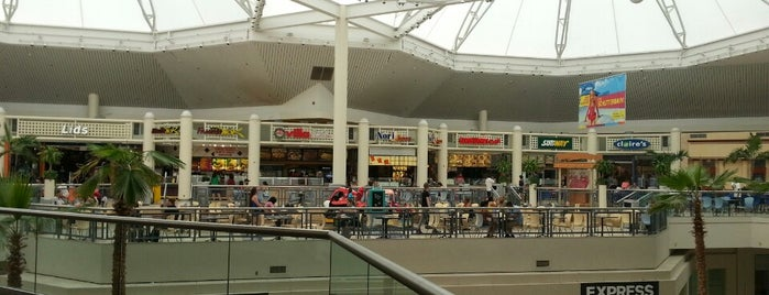 Rolling Oaks Mall is one of AUS Faves and To Do.