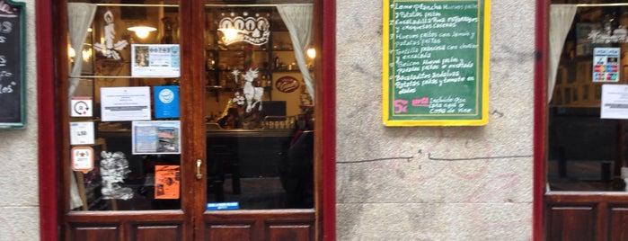 Taberna de La Copla is one of Madrid: de Tapas, Tabernas y +.