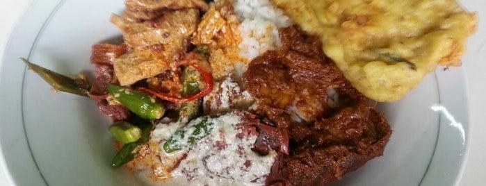 Warung Gudeg Bu Darmo is one of Favorite Food.