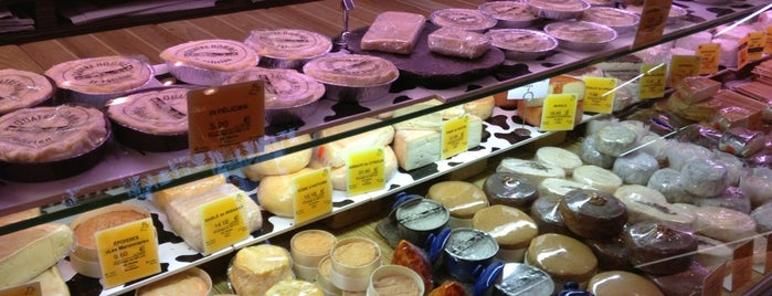 Fromagerie Quatrehomme is one of Paris - best spots! - Peter's Fav's.