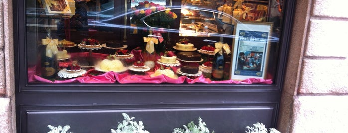 Via Monte Napoleone is one of Milan(o) the BEST! = Peter's Fav's.