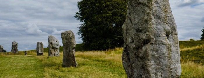 Avebury Henge and Stone Circles is one of England 1991.
