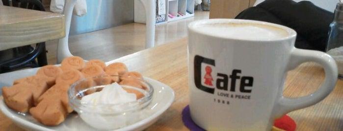 ミスターフレンドリー MR.FRIENDLY カフェ is one of free Wi-Fi in 渋谷区.