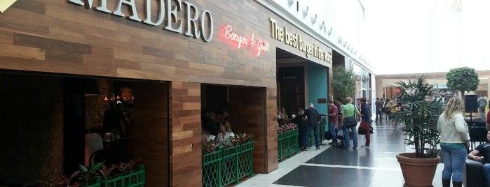 Madero Steak House is one of Lugares pra comer no Portão / Água Verde.
