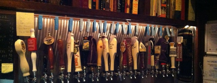 Quenchers Saloon is one of Beer: Chicago.