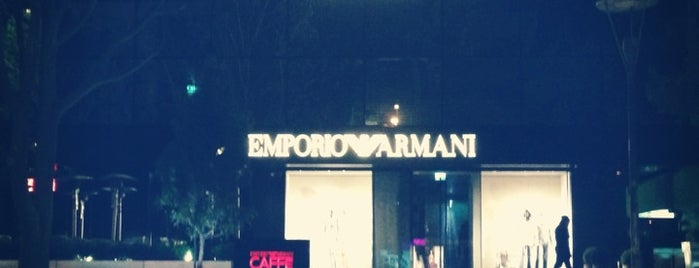 Emporio Armani Caffe is one of My favourites for Cafes & Restaurants.