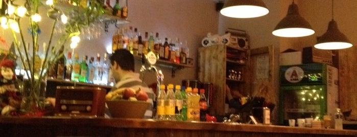 Κασετόφωνο is one of The best after-work drink spots in Volos.