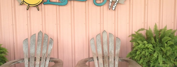 Lulu's Gulf Shores is one of Mel's Faves :).