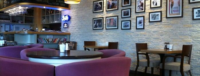 Da Farina Cafe Bistro is one of Yemede yanında yat....