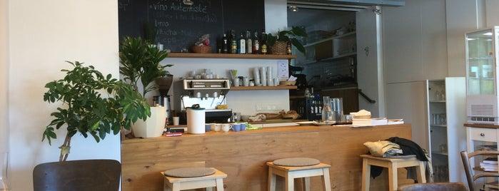 Bistro Dokola is one of Café.