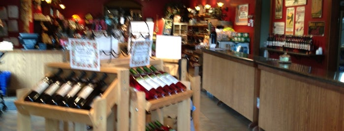 Three Lakes Winery is one of Jeanne's Check-ins.