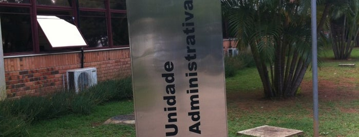Unidade Administrativa III is one of Campus.