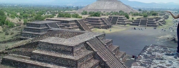Pirámides de Teotihuacán is one of The Best Places I Have Ever Been.