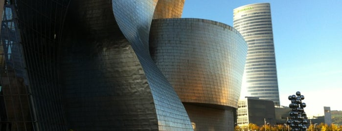 Museo Guggenheim is one of Bucket List Places.