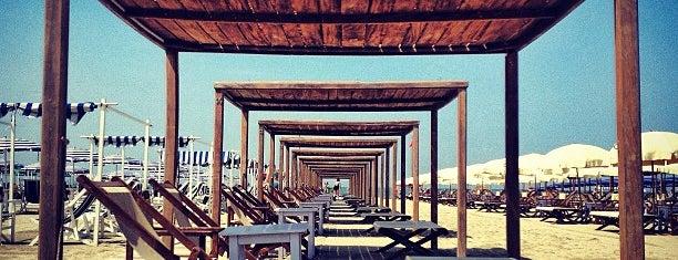 Bagno Il Cavallone is one of Le mie spiagge preferite.